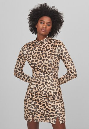 MIT ANIMALPRINT - Shift dress - beige