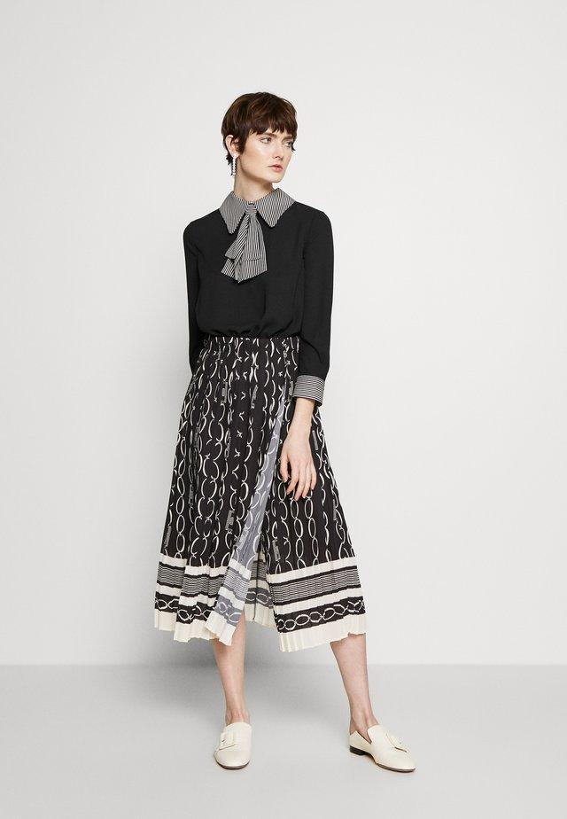 2-IN-1 - A-line skirt - nero/burro
