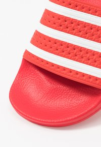 adidas Originals - ADILETTE - Sandály do bazénu - lush red/footwear white - 5