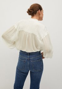 Mango - YEVA - Overhemdblouse - off white - 2