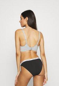 Calvin Klein Underwear - CAROUSEL 3 PACK - Slip - black/white/bare - 2