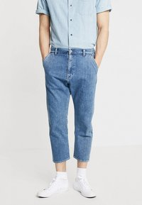 Edwin - UNIVERSE PANT CROPPED - Relaxed fit jeans - mid stone wash - 0