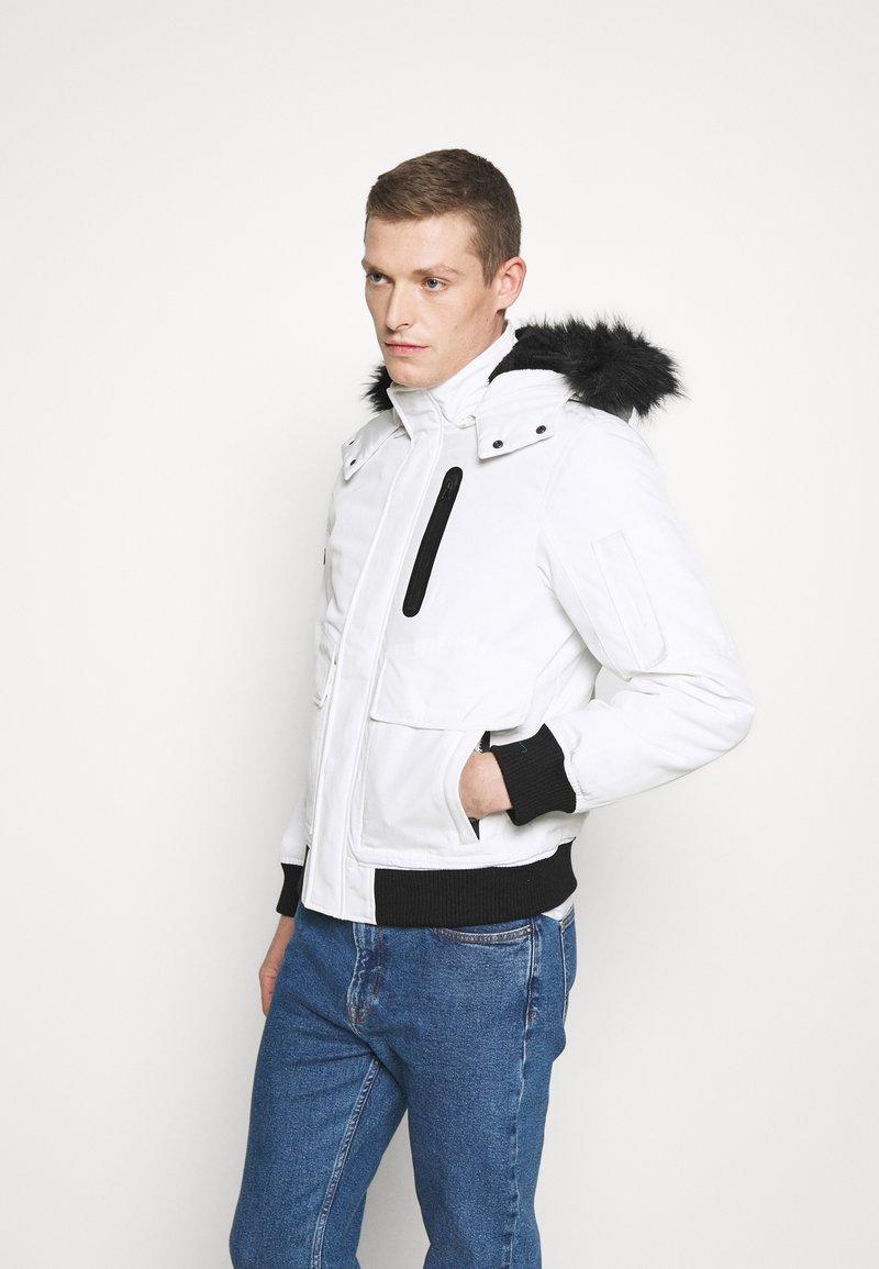 INDICODE JEANS - SMU FRANK - Winter jacket - white