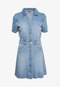 Noisy May - NMLISA DRESS - Denimové šaty - light blue denim - 3