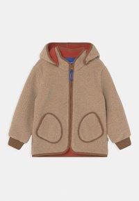 Finkid - TONTTU NALLE UNISEX - Fleece jacket - pebble/cinnamon - 0