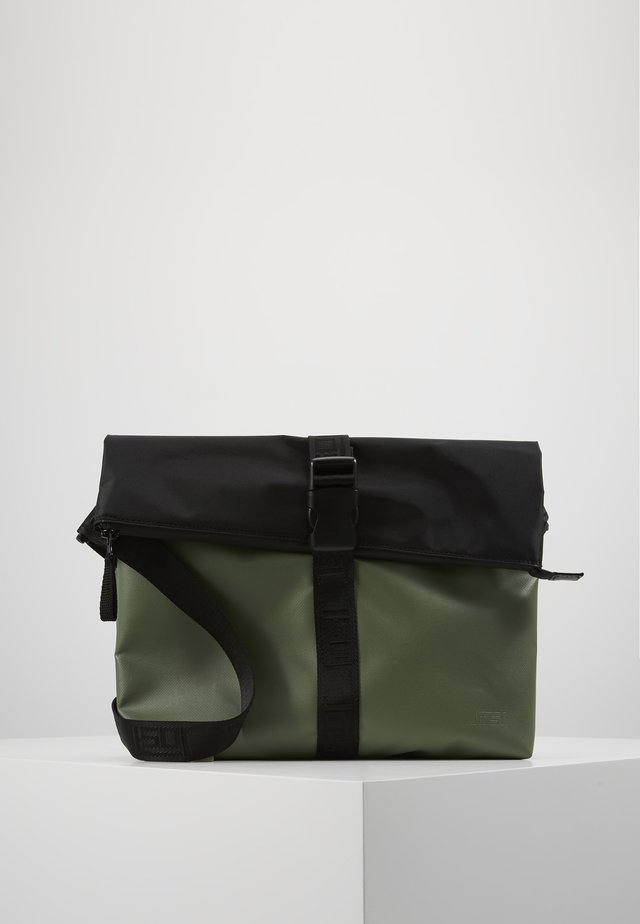 TOLJA SHOULDER BAG - Olkalaukku - olive