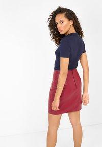 ORSAY - GERIPPTES - Polo shirt - nachtblau - 1