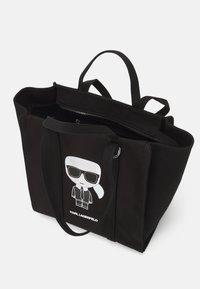 KARL LAGERFELD - IKONIK BIARRITZ TOTE - Handbag - black - 3