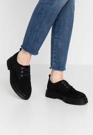 ARCHER LACE UP - Šněrovací boty - black