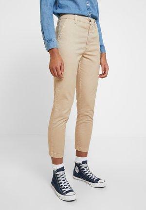 HIGH RISE PANT - Chinos - brown