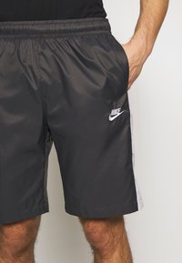 Nike Sportswear - CORE  - Shorts - anthracite/vast grey - 5