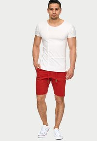 INDICODE JEANS - CARVER - Denim shorts - red - 1