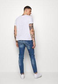 Topman - HEAVY WASH - Jeans slim fit - blue - 2