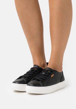 MASY - Sneakers laag - black