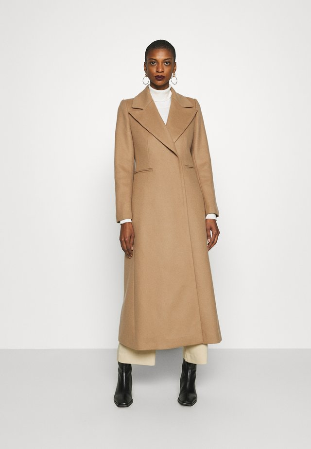 MAXI COAT - Mantel - camel