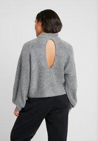 VILA PETITE - VISEVEN - Strickpullover - medium grey melange - 2
