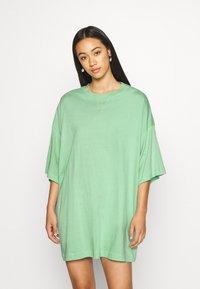 Weekday - HUGE - Basic T-shirt - sage green - 0
