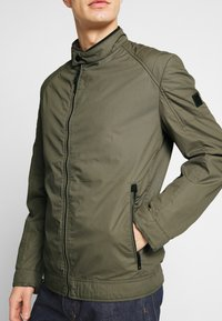 Strellson - ROVIGO STAND UP  COLLAR - Summer jacket - olive - 3