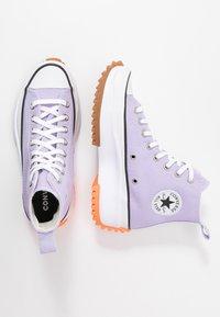 Converse - RUN STAR HIKE - Baskets montantes - moonstone violet/white/total orange - 1