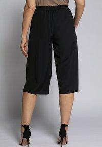 Ulla Popken - Shorts - noir - 1