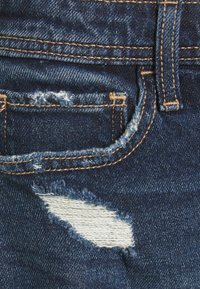 Hollister Co. - MOM CURVY DARK DEST  - Denim shorts - dark destroy - 5