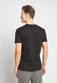 Esprit - 2 PACK - Basic T-shirt - black - 3