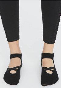 OYSHO - 2ER-PACK  - Sports socks - black - 2