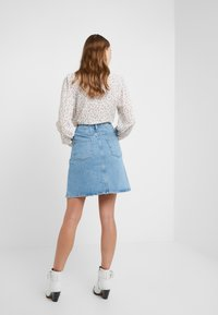 CLOSED - IBBIE - A-line skirt - mid blue - 2