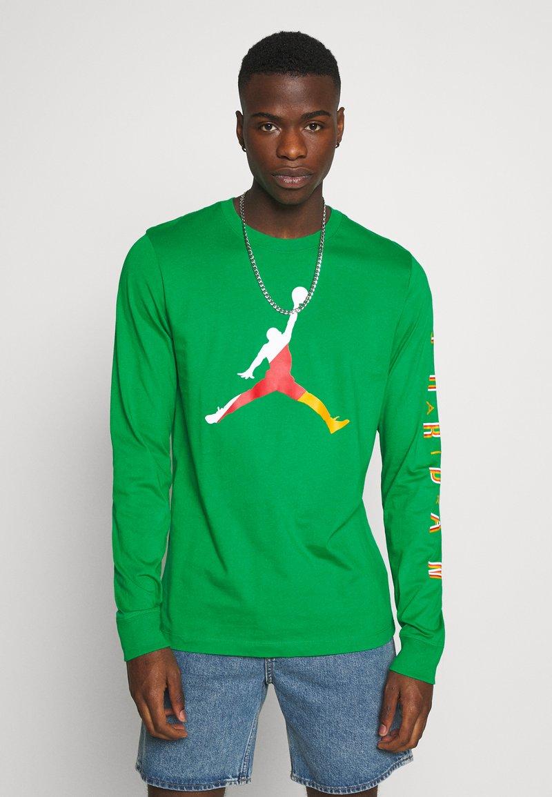 Jordan - CREW - Maglietta a manica lunga - lucky green/dark sulfur