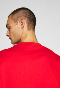 Weekday - GREAT - T-shirt - bas - red - 4