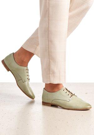 Lace-ups - grün