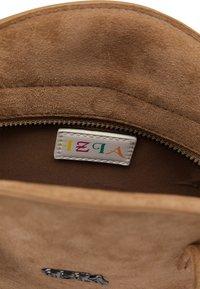 IZIA - Across body bag - camel - 4