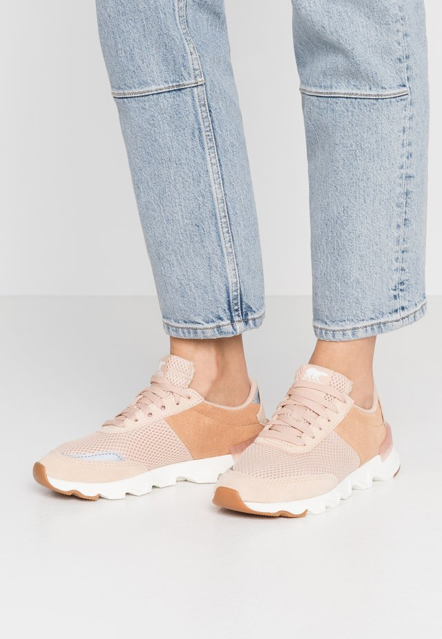 KINETIC LITE LACE - Trainers - natural tan