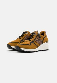 LOVE OUR PLANET by MARCO TOZZI - LACE UP - Sneakers laag - mustard - 2