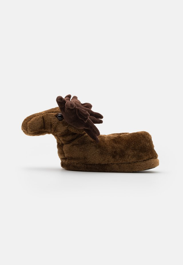 MOOSE SLIPPER - Pantuflas - brown