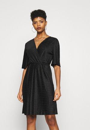 VIAUBREY DRESS - Vapaa-ajan mekko - black