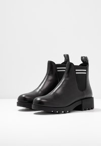 Adele Dezotti - Ankle boot - nero/bianco - 4