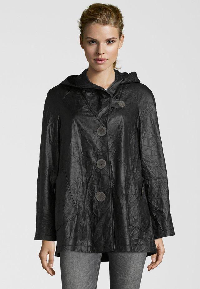 GREZIA - Imitatieleren jas - black