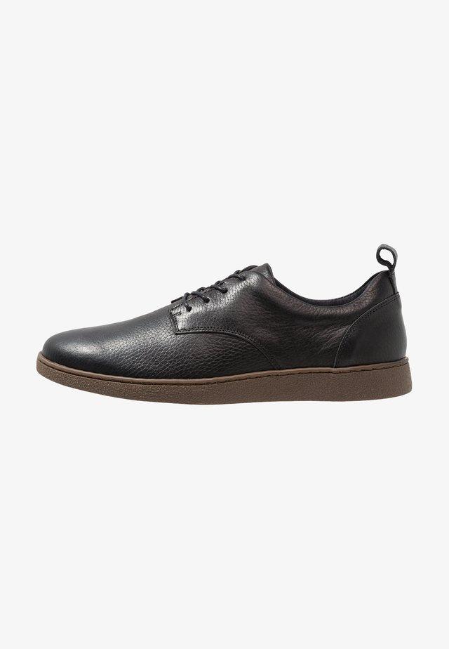 LEATHER - Sznurowane obuwie sportowe - black