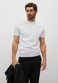 Mango - TECHNOC - T-shirt basic - lichtgrijs - 0