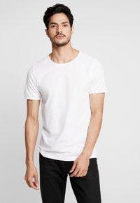 Selected Homme - SLHMORGAN O-NECK TEE - T-paita - bright white - 0
