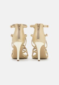 Bullboxer - High heeled sandals - light gold - 3