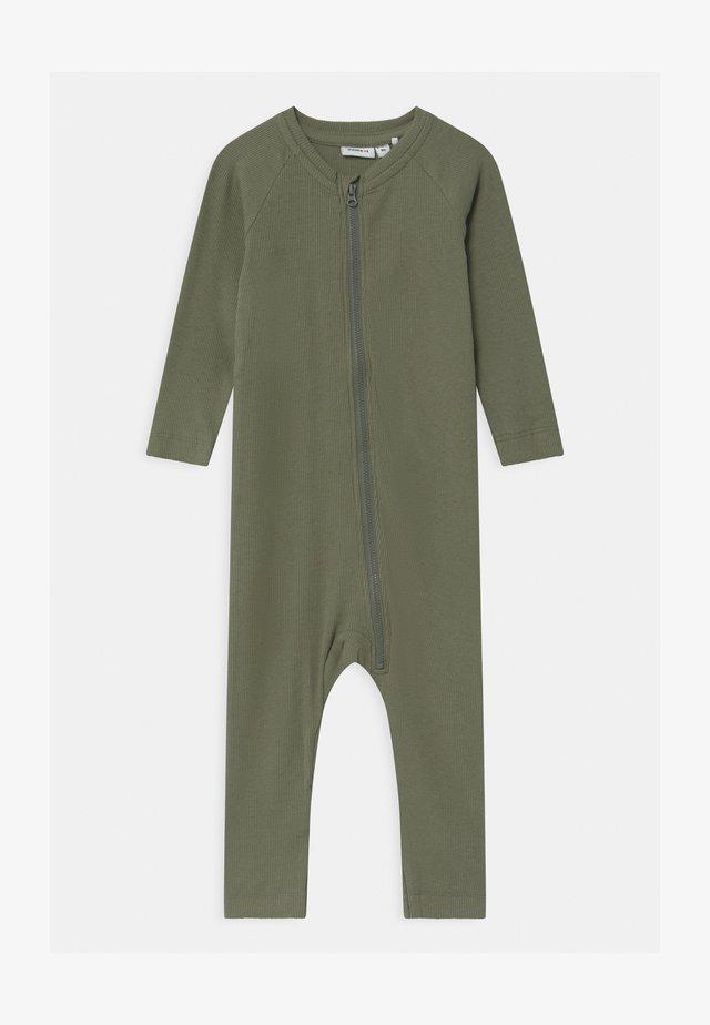 NBMRUNKO - Pyjama - agave green
