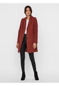 Vero Moda - Classic coat - mahogany - 1