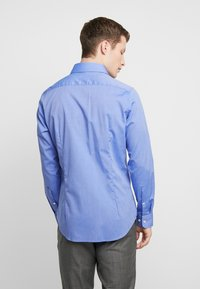 Seidensticker - SLIM FIT SPREAD KENT PATCH - Formal shirt - blue - 2