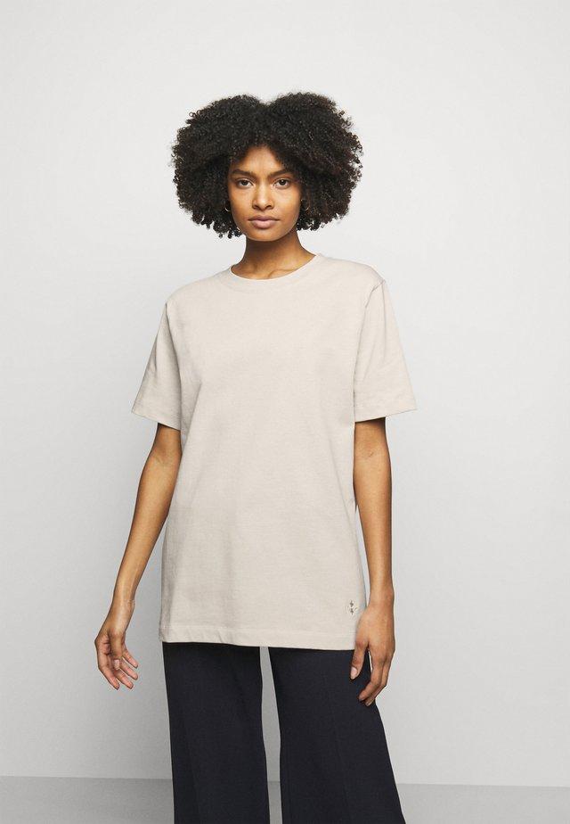 FAYEH. - Basic T-shirt - stone