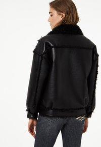Liu Jo Jeans - LIU JO JEANS - Faux leather jacket - black - 2