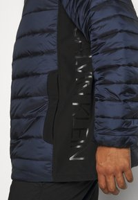 Calvin Klein - LIGHT WEIGHT SIDE LOGO JACKET - Giacca invernale - blue - 3