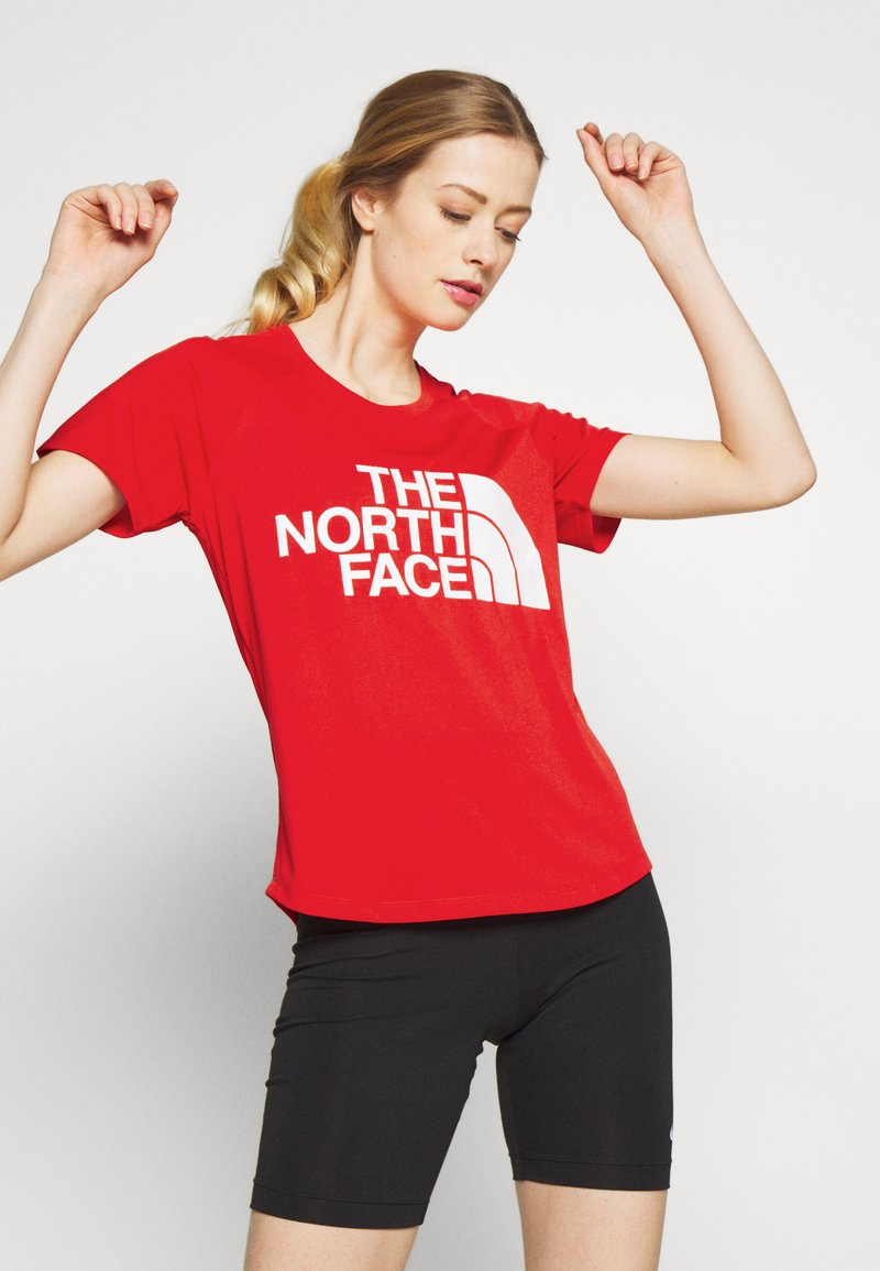The North Face - WOMENS GRAPHIC PLAY HARD  - T-shirts med print - fiery red
