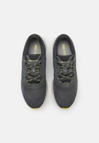 Nike Performance - RENEW RIDE 2 PRM - Neutrala löparskor - iron grey/dark smoke grey/high voltage/light smoke grey/limelight/grey fog - 3